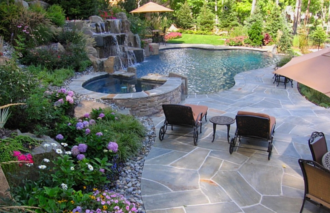 Pool Landscaping Ideas – Create a Backyard Oasis